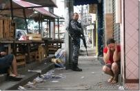 Moradores-são-vistos-durante-invasão-das-Polícias-e-Forças-Armadas-brasileras-ao-Complexo-do-Alemão-Foto-Jadson-Marques-AE6