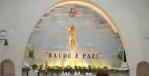 Religiao / Trabalho de grafitagem no altar da Igreja Sagrado Coracao de Jesus, mais conhecida como Igreja Padre Eustaquio