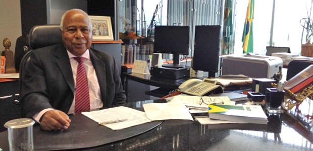O ministro Carlos Alberto Reis de Paula